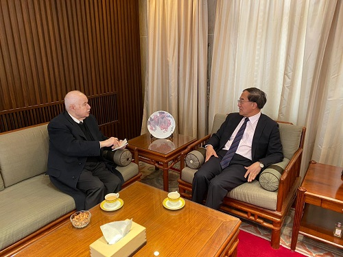 Abu-Ghazaleh Expresses Solidarity with the People's Republic of China in Fighting Coronavirus