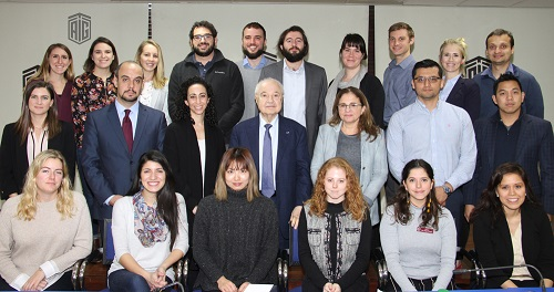 Abu-Ghazaleh Meets Students of University of Chicago, Highlights his Vision about the Future of Region