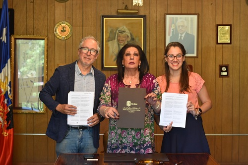 'Abu-Ghazaleh Global' and Palestinian Club Institute Sign Cooperation Agreement for Teaching Arabic in Chile